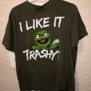 OSCAR THE GROUCH I LIKE IT TRASHY T SHIRT